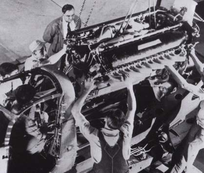 P-39 Airacobra engine installing