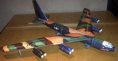 Boeing B52 paper model