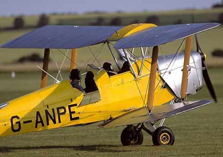 DeHavilland Tiger Moth warming up