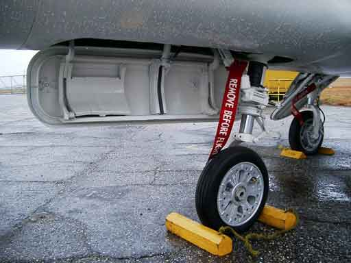 Douglas Skystreak nose landing gear