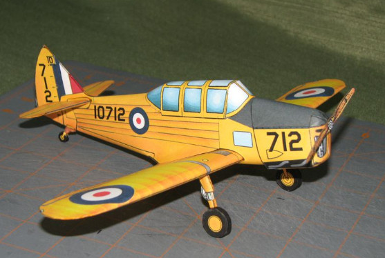Fairchild PT-26 paper model airplane