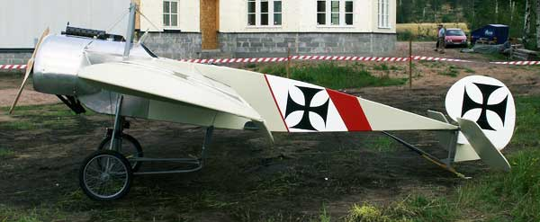 photo of the Fokker EIII for the FG paper model