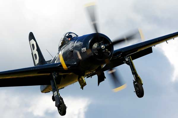 Photo of Grumman F8F Bearcat in midflight