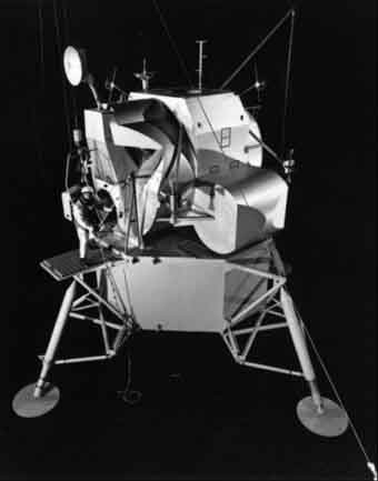 Lunar Exploratory Module (LEM) card model