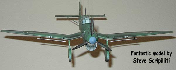 Stuka flying cardmodel