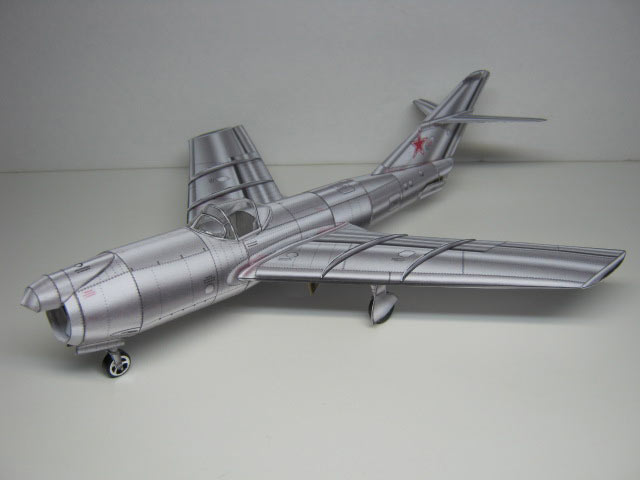 paper model of the Mig-I-320
