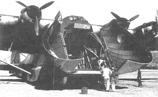 Me-323-Huge clamshell doors