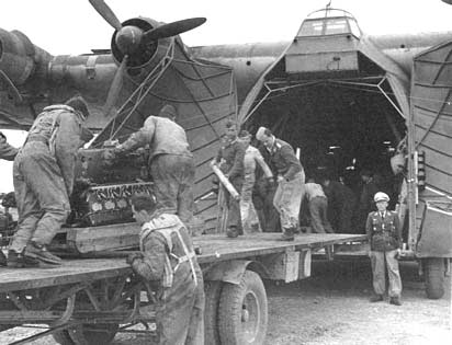 Me-323-loading engine
