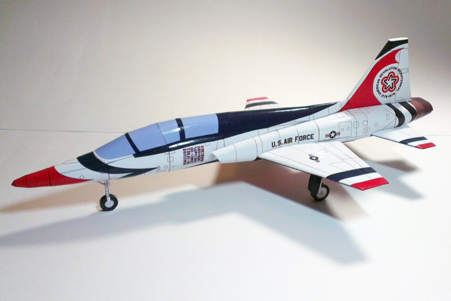 paper model of the Northrop T-38