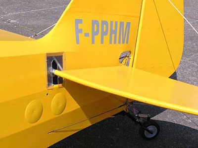 Piper Cub tail detail