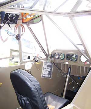 Piper L-4 Grasshopper Cockpit