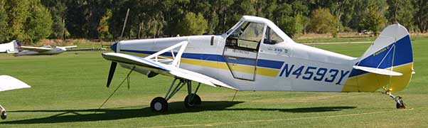 Piper PA-25 Pawnee side view