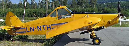 Piper PA-25 Pawnee yellow