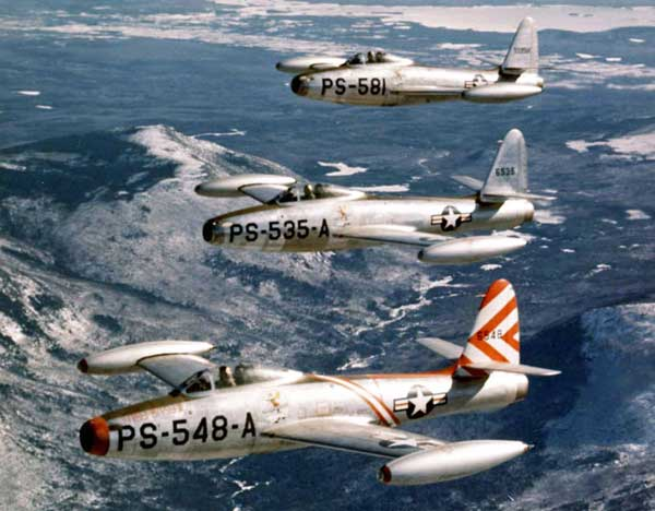 Republic F-84 Thunderstreak Formation