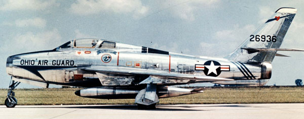Republic F-84 Thunderstreak illustration for  FG paper model