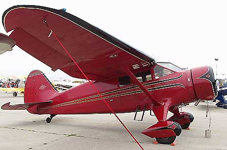 Stinson Reliant in Red