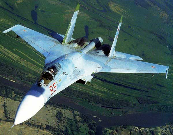 The SU-27 Russian Fighter Jet picture for paper model