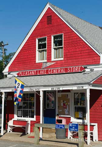 New England Ggeneral Store at Pleasant Lake