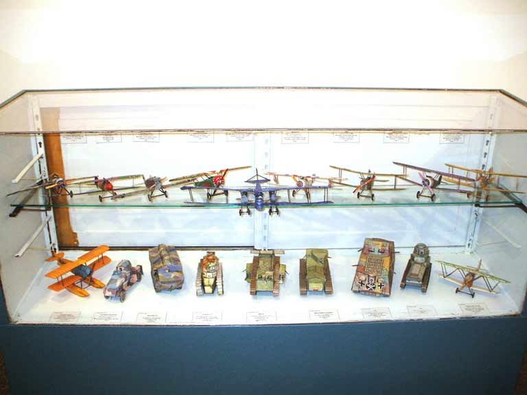 Display of Awesome WWI Tank Collection with various aircraft in fishtank Fiddlersgreen downloadable card models