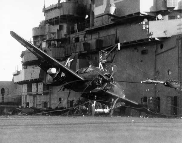 Curtiss SB2C Helldriver Airfix 1/72 Curtiss-SB2C-Helldiver-WWII-Dive-Bomber-Crash